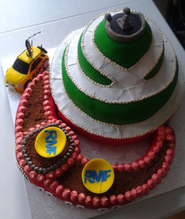 Tort weselny w kształcie Kopca Kościuszki